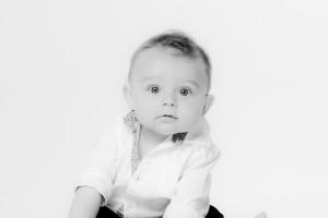 Photographe bébé nourrisson Versailles